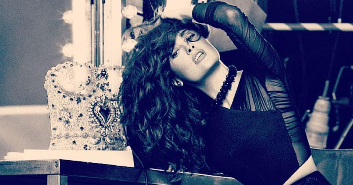'Leggy Lass' Salma Hayek Posts Stunning #TBT