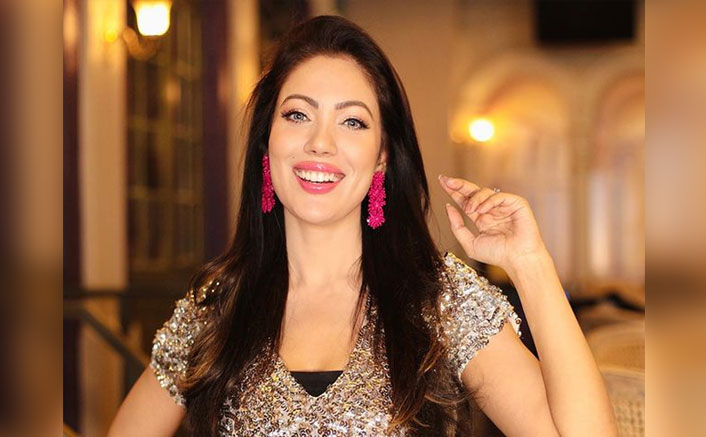 Munmun Dutta Enjoys A Slo-Mo Walk On Tu Lagdi Ferrari