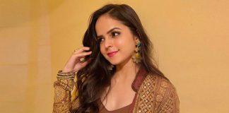 Palak Sidhwani Looks Beautiful In A Violet Dress