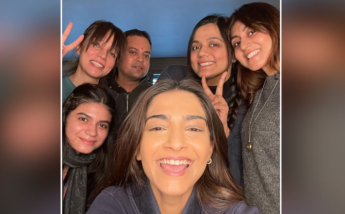 Sonam Kapoor Shares A Pic Of Team Blind