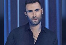 Adam Levine flaunts fit body in shirtless workout session