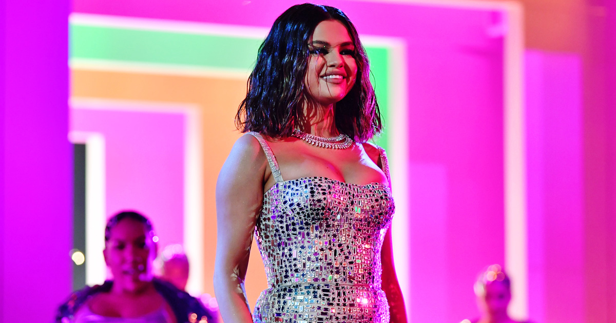 "Exclusive! Selena Gomez On Baila Conmigo & De Una Vez: ""I Truly Believe I Sing Better In Spanish"""