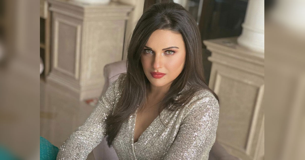 """Himanshi Khurana Opens Up About The Struggles She Faces As A Celeb: """"It Becomes Very Stressful At Times"""""""