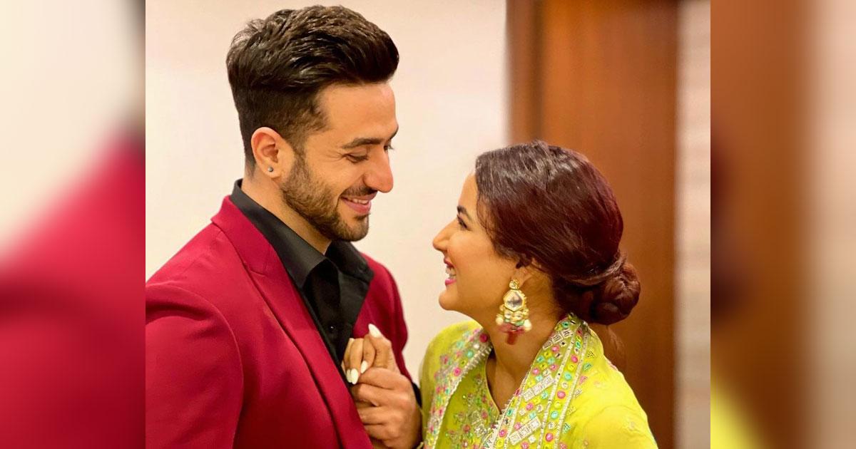 Jasmin Bhasin Wishes Aly Goni On His Birthday & Calls Him 'My Hero'