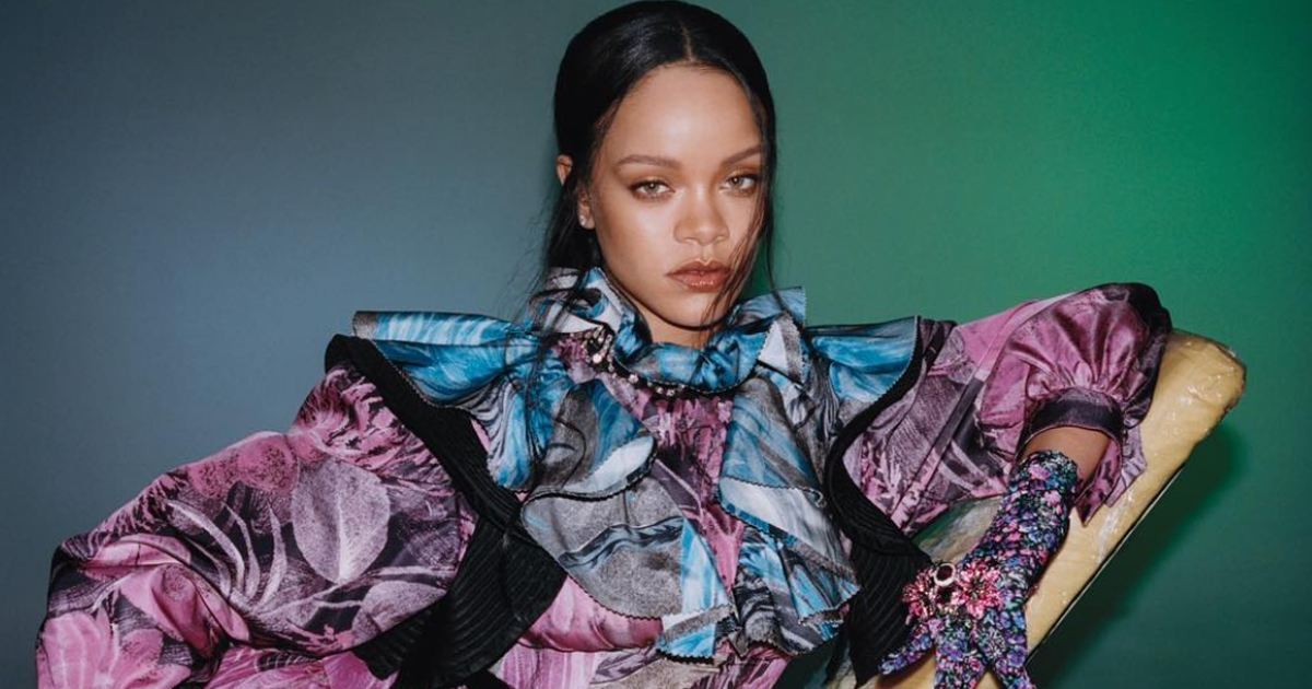 Rihanna's Twitter Followers Increases By 1 Million