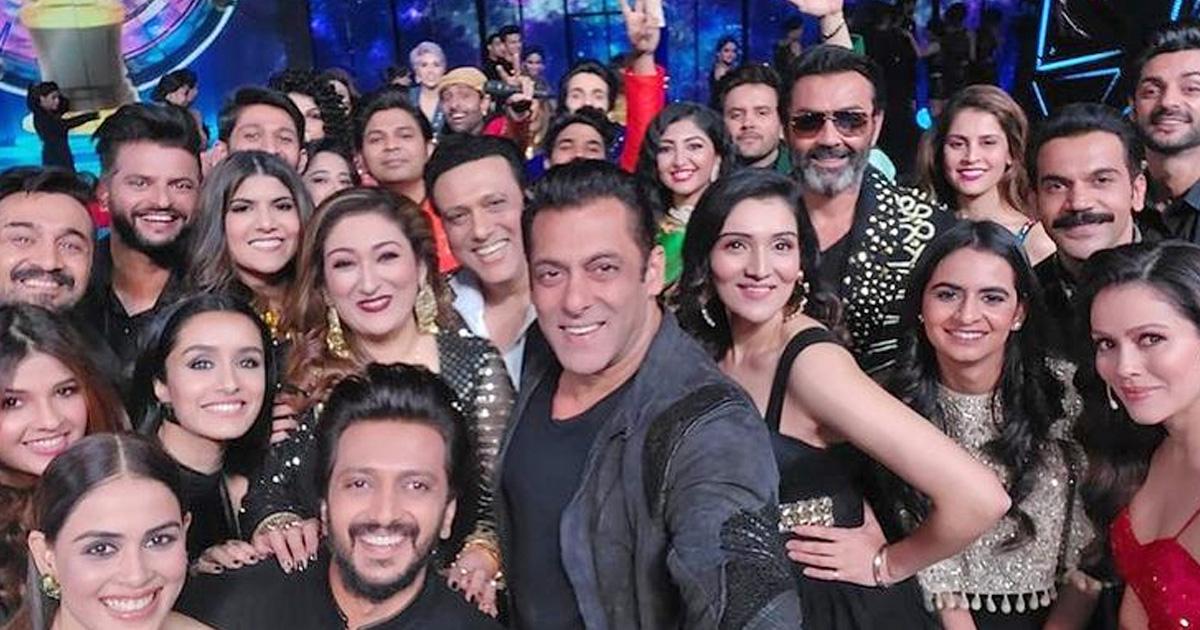 Salman Khan Clicks 'Mega' Selfie With Shraddha Kapoor, Riteish Deshmukh & Govinda At Indian Pro Music League