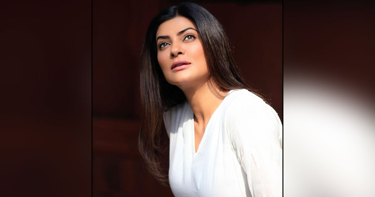 Sushmita Sen's Post Is A Proof That Everyone Turns A Philosopher In Front Of Sea!