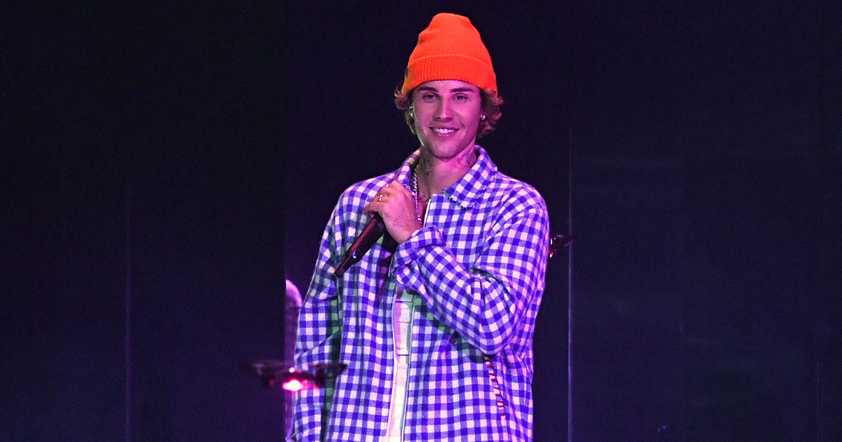 When Justin Bieber Spat On His Fans & It Irked The Internet, Read On