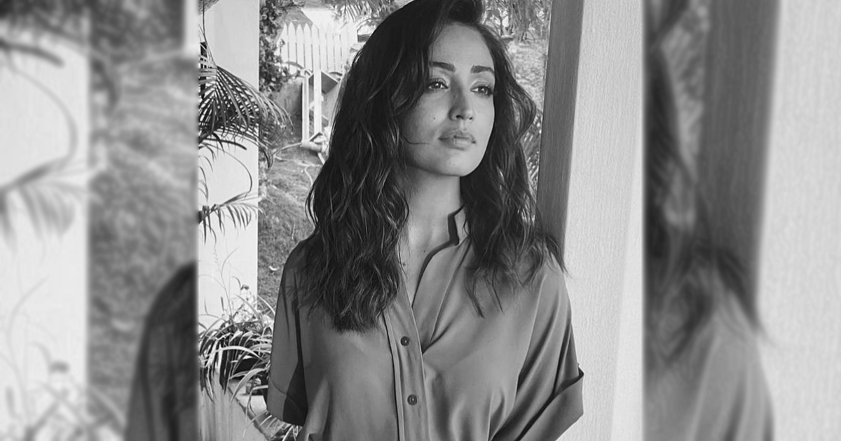 Yami Gautam Has A Thing For 'Black & White' Tones & This Photo Is A Proof!