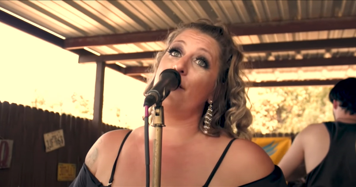 Country Singer Taylor Dee Passes Away At The Age Of 33, Check Out