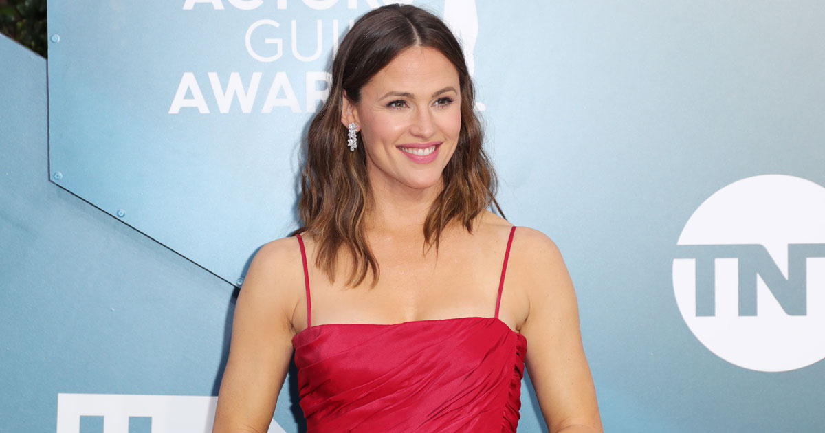 """Jennifer Garner: """"Now That My Kids Are Bigger, They Like To Torture Me,"""" Read On"""