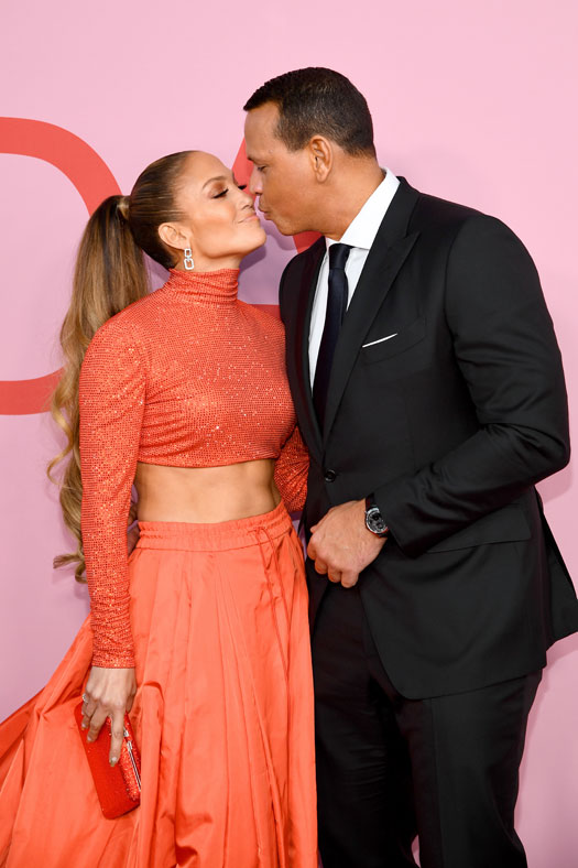 Jennifer Lopez & Alex Rodriguez's This Intense Red Carpet Kiss Will Make You A Little More Sad Today, Check Out