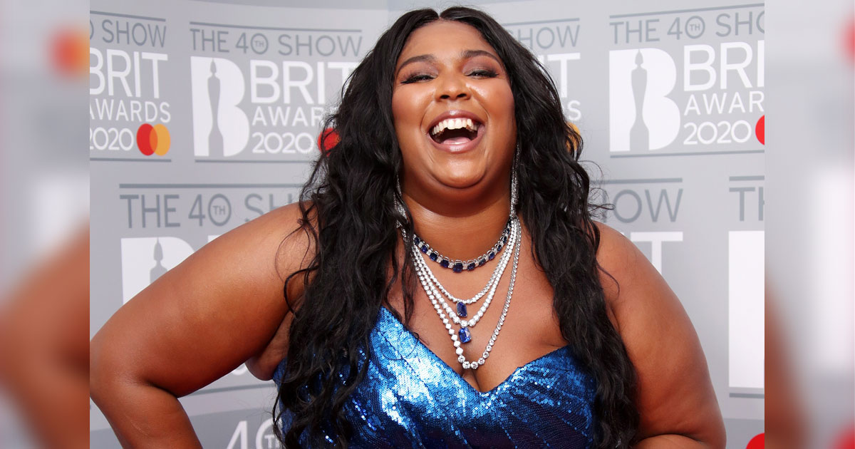 Lizzo Declares Herself Single After Cozying Up With A Mystery Man In Malibu