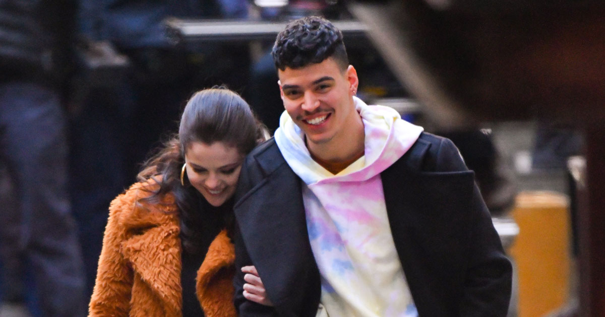 Selena Gomez Clarifies Her Relationship Status While Talking Dating Rumours With Aaron Dominguez