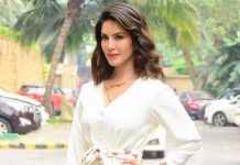 Sunny Leone Wouldn't Kiss Her Co-Star Without HIV Test?