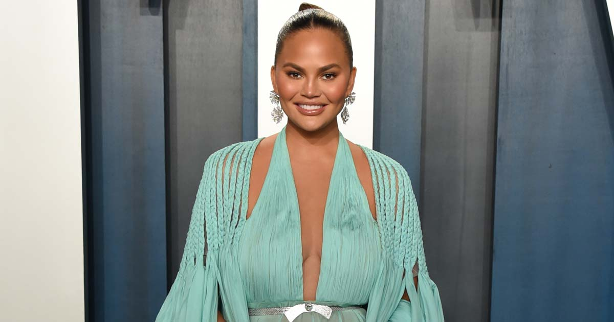 """Chrissy Teigen On Dieting:  """"I Eat Things When I Want Them"""""""