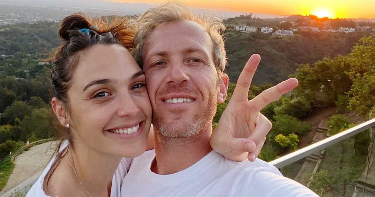 Gal Gadot Talks About Cutting The Top Of Her Finger