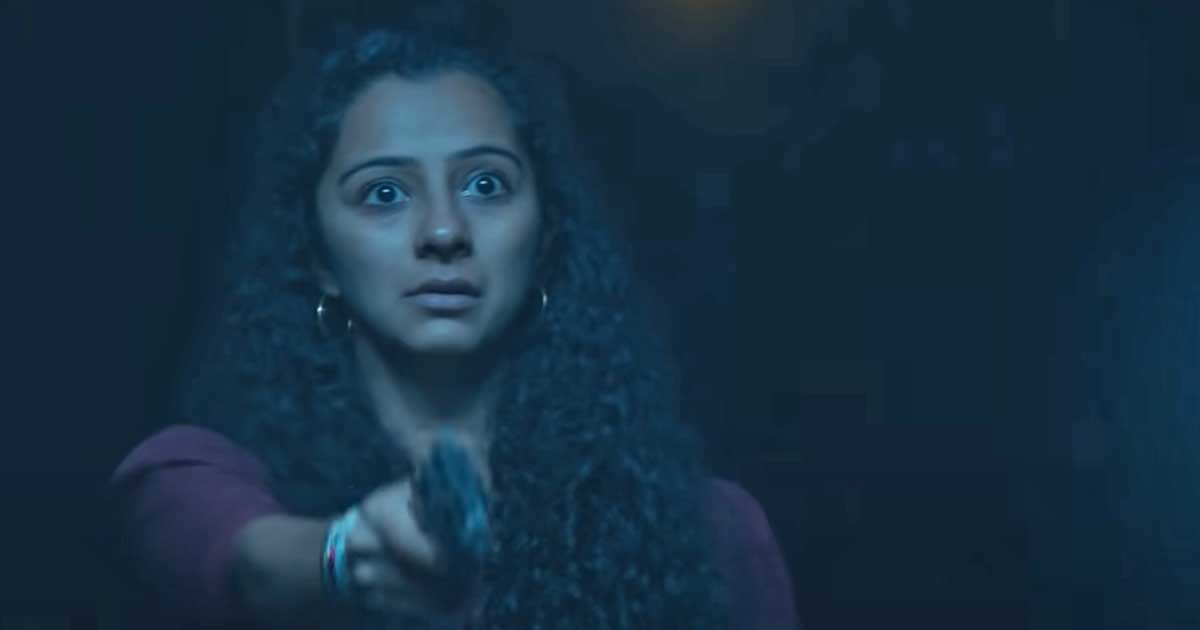 Irul Movie Review: Fahadh Faasil & Darshana Rajendran Put Their Best Foot  Forward In A Film Suffering From 'Been There Seen That' Syndrome