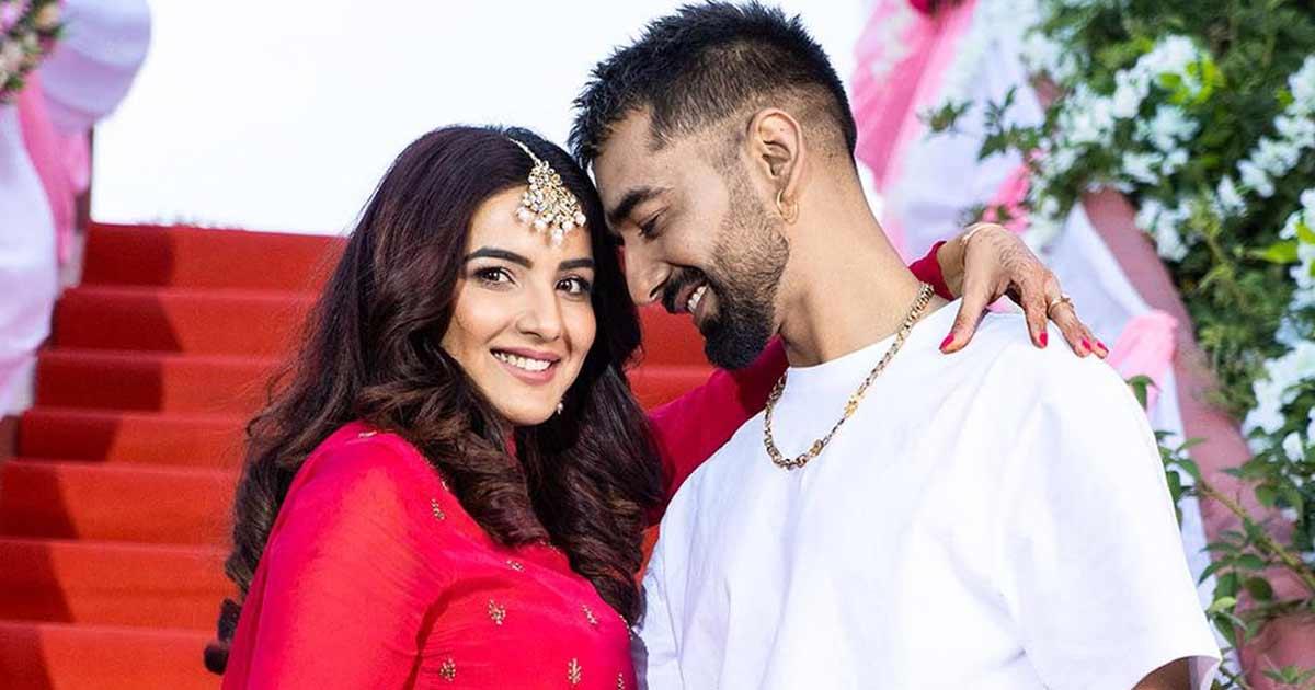 Maninder Buttar On Collab With Jasmin Bhasin For Pani Di Gal