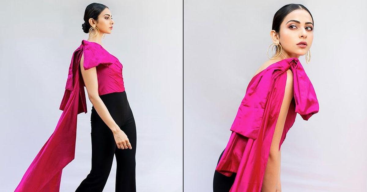 Rakul Preet Singh Soaring The Temperature With Her Pink & Black Combo
