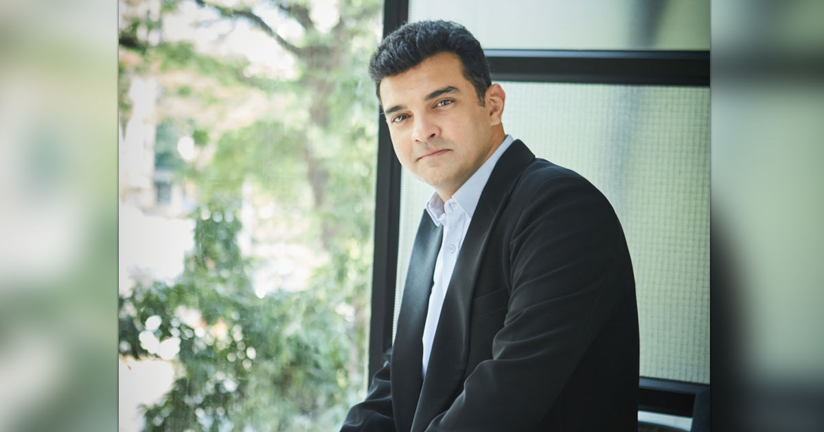 Siddharth Roy Kapur's 'Gyaan' On When's The Right Time To Become A Producer Should Be Noted By All The Aspiring Filmmakers, Read On