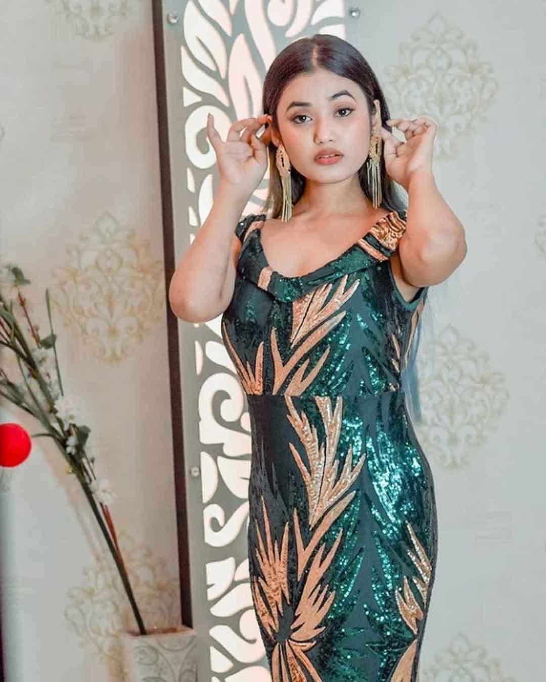 Aisha Kashyap (Moj ID @aishakashyap77)