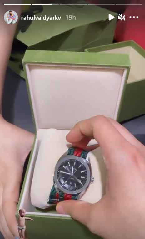 disha parmar gifts rahul vaidya a luxury watch worth 71220 before he heads for khatron ke khiladi 11002