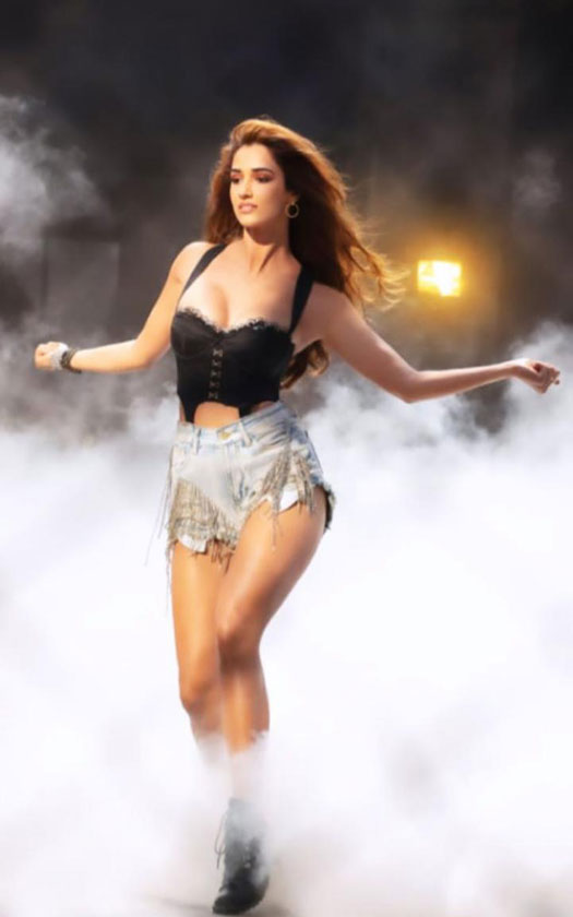 Disha Patani leaves us stunned with her sizzling BTS glimpses from her upcoming next, Radhe's latest song, Zoom Zoom