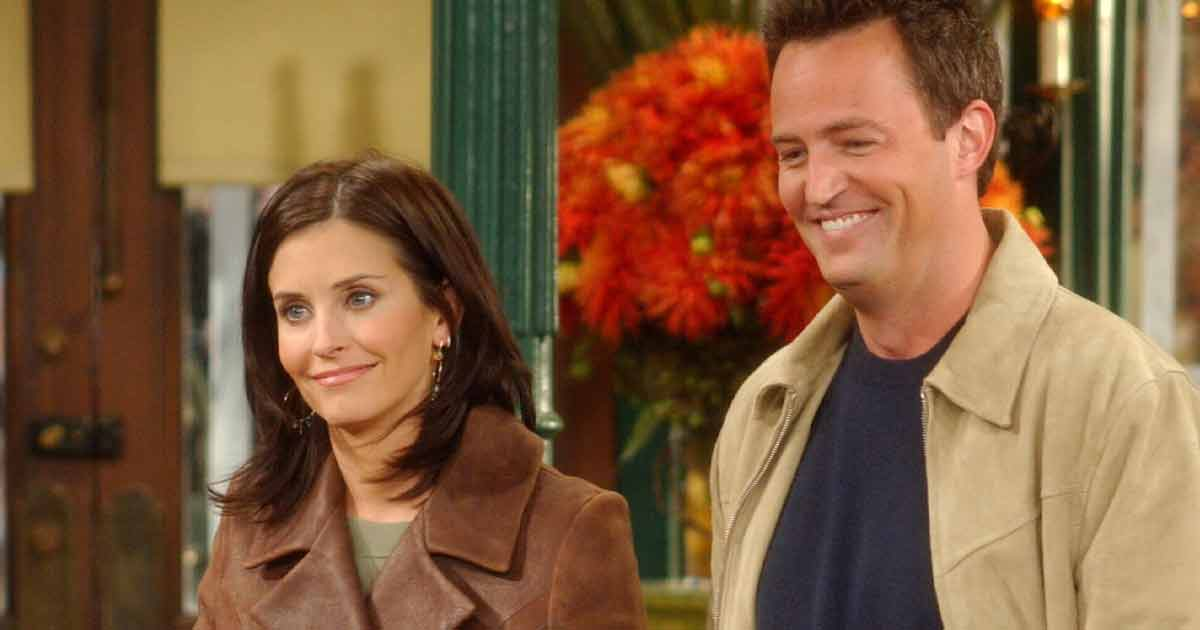 Friends: Lovebirds 'Monica' Courteney Cox & 'Chandler' Matthew Perry Are Cousins In Real Life?