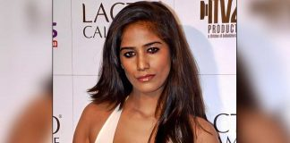 Poonam Pandey Calls First Carrier Of COVID 'Lay Lee Sub Kee'