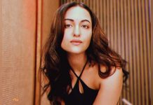 Sonakshi Sinha checks in on fans, asks them to 'hang in there'