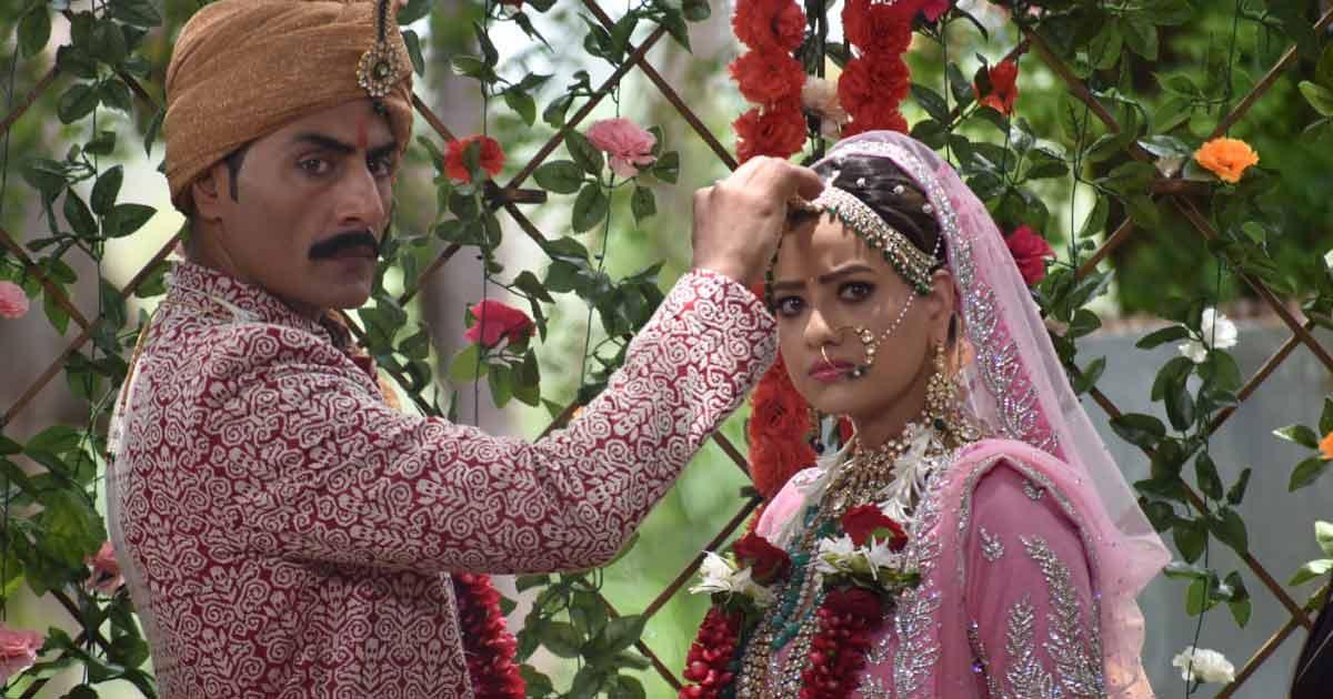 Vanraj Returns & Denies Marrying Kavya