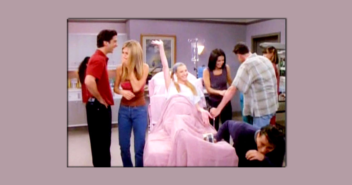 """When Lisa Kudrow's Phoebe Buffay Made The Team ROFL By Referring To A Vagina As A """"D*ck Ditch"""" – Watch Video"""