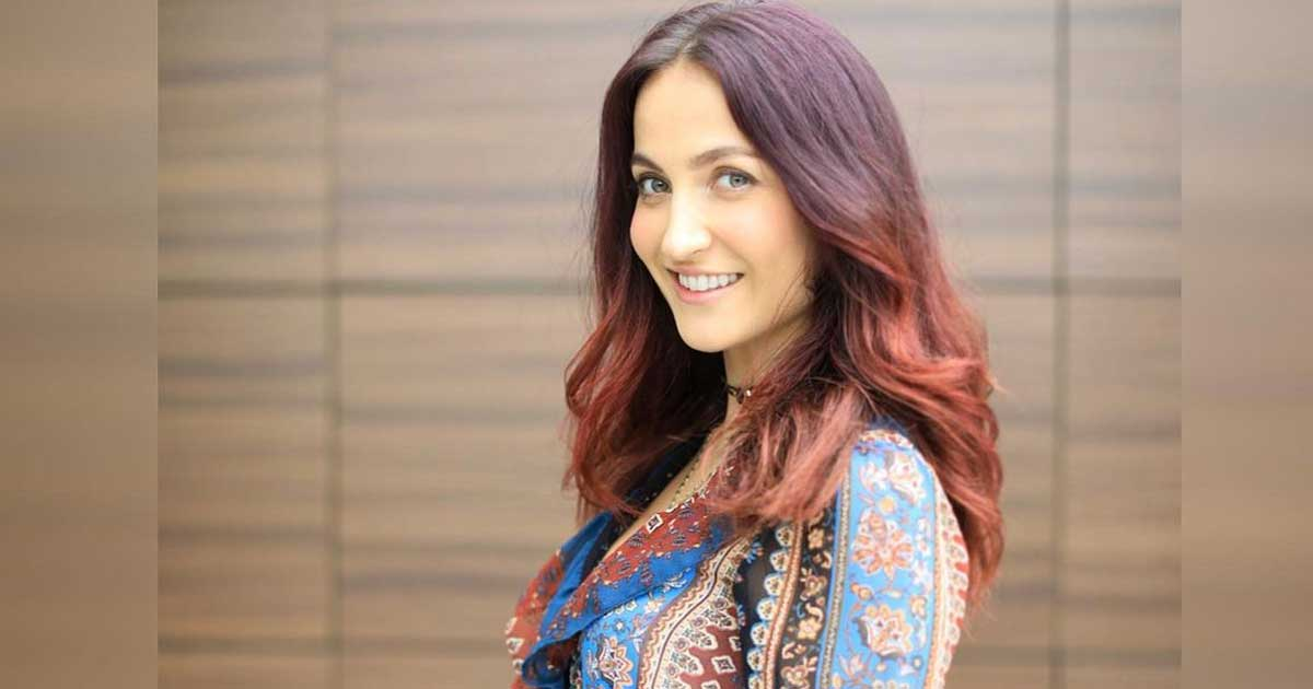 Elli AvrRam Gives A Hot Nunchuck Twist To 'Put Your Head On My Shoulder' Trend, Read On