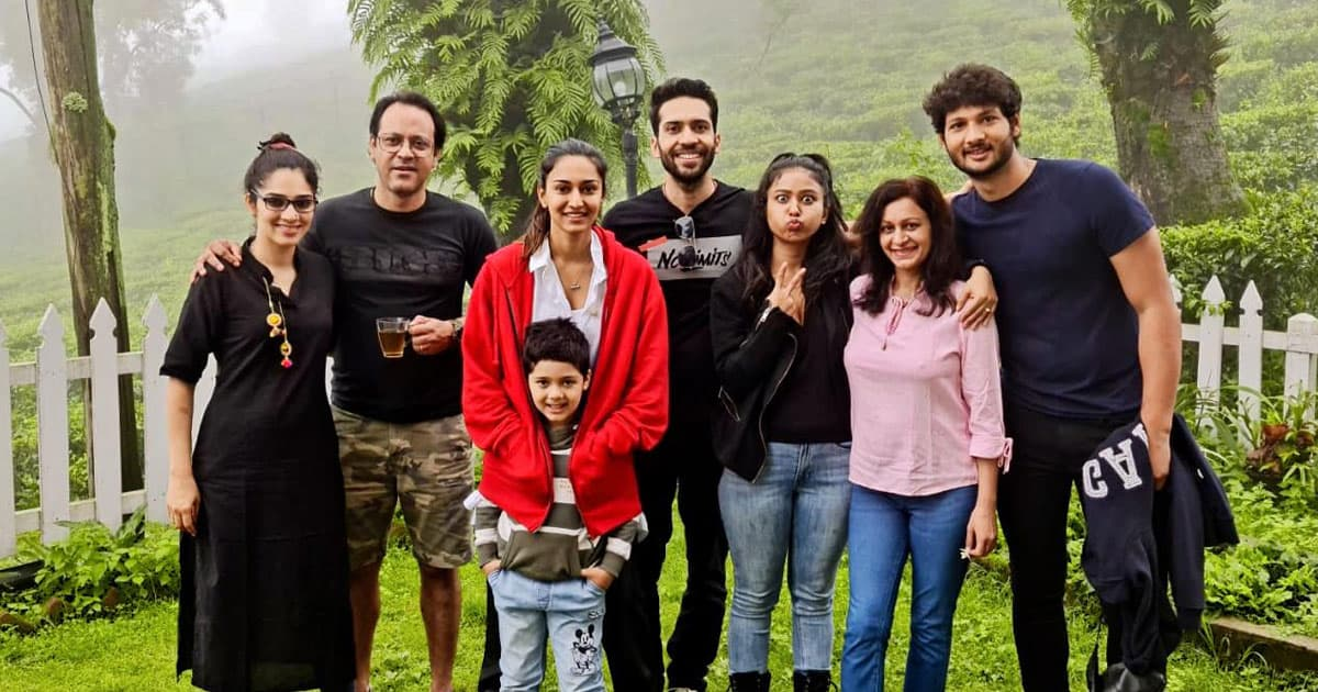 Erica Fernandes Enjoys The Beauty Of Siliguri Hills With Shaheer Sheikh & Kuch Rang Pyaar Ke Aise Bhi Team