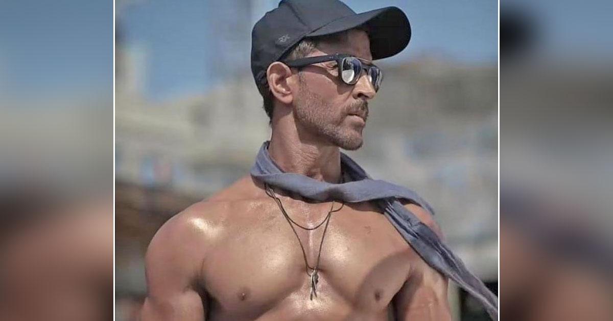 Hot hunk Hrithik goes shirtless