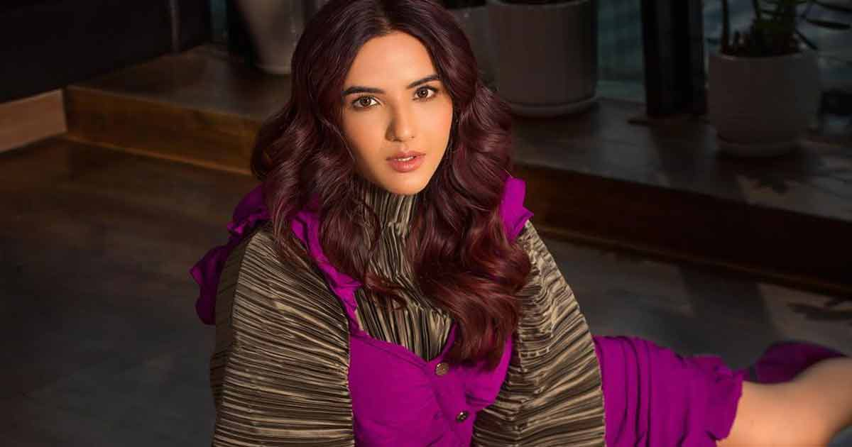 Jasmin Bhasin & Gurnazar Chattha's In This 'Never Have I Ever' Segment With Leave You Laughing & Mind-Blown! [Exclusive]