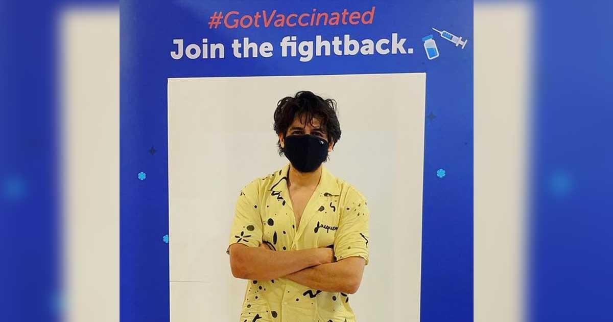 Kartik Aaryan takes the jab, is 'now loading: antibodies'