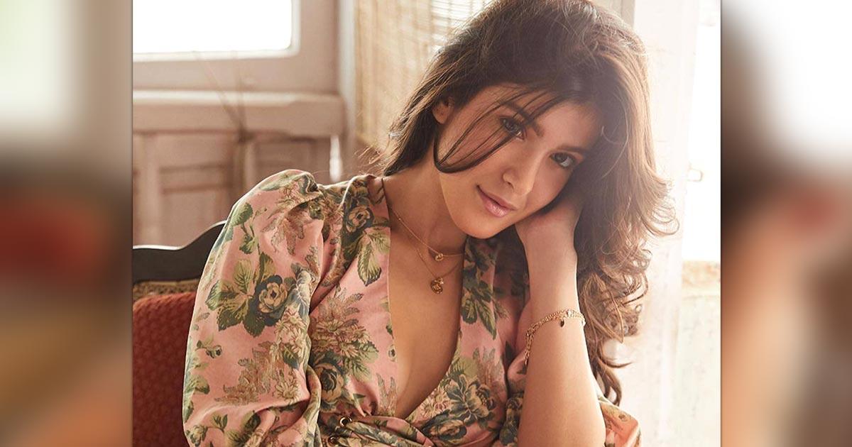 Shanaya Kapoor's Dating App Bio Choice Is Full Of Sass, Swag & Splash!