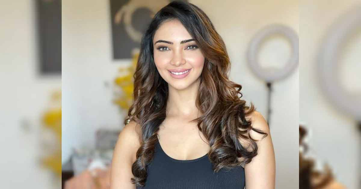 TV Actress Pooja Banerjee Happy To Resume Yoga After Accident