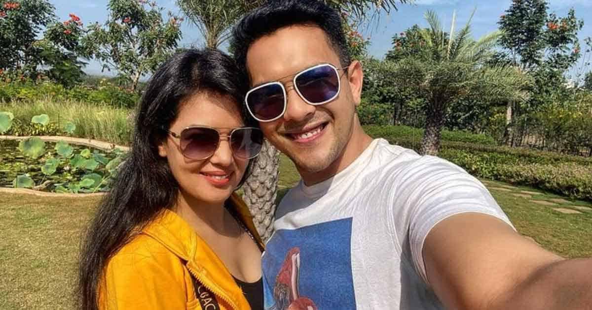 "Aditya Narayan Breaks Silence On Wife Shweta Agarwal's Pregnancy Rumours: ""It Was Misconstrued As Something That Has Happened"""