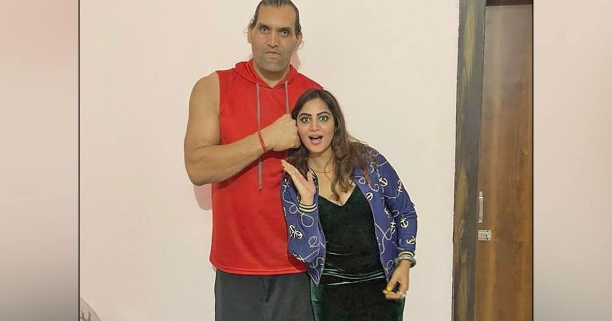Bigg Boss Fame Arshi Khan To Turn Pro-Wrestler Thanks To Khali? Here's What She Has To Say