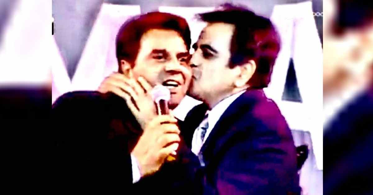 Dharmendra Mourns Dilip Kumar's Loss With A 'Kiss On Cheek' Photo & It Just Made Us Miss Him Even More, Read On