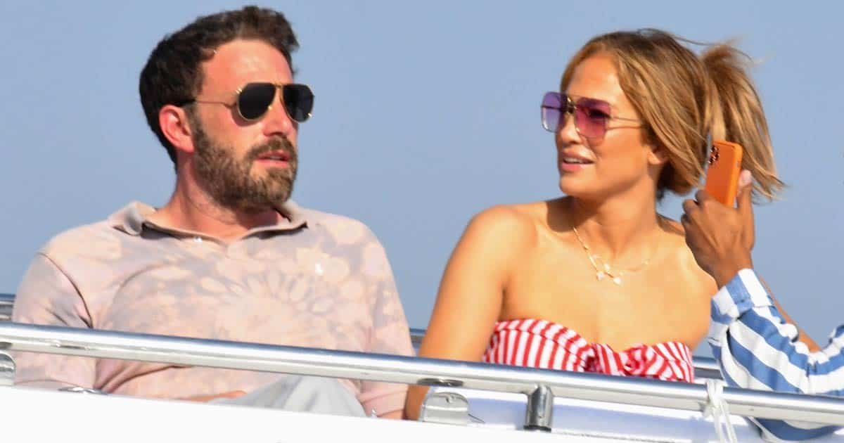Jennifer Lopez & Ben Affleck Share A Passionate Kiss Packed With PDA While At A Steamy Dinner