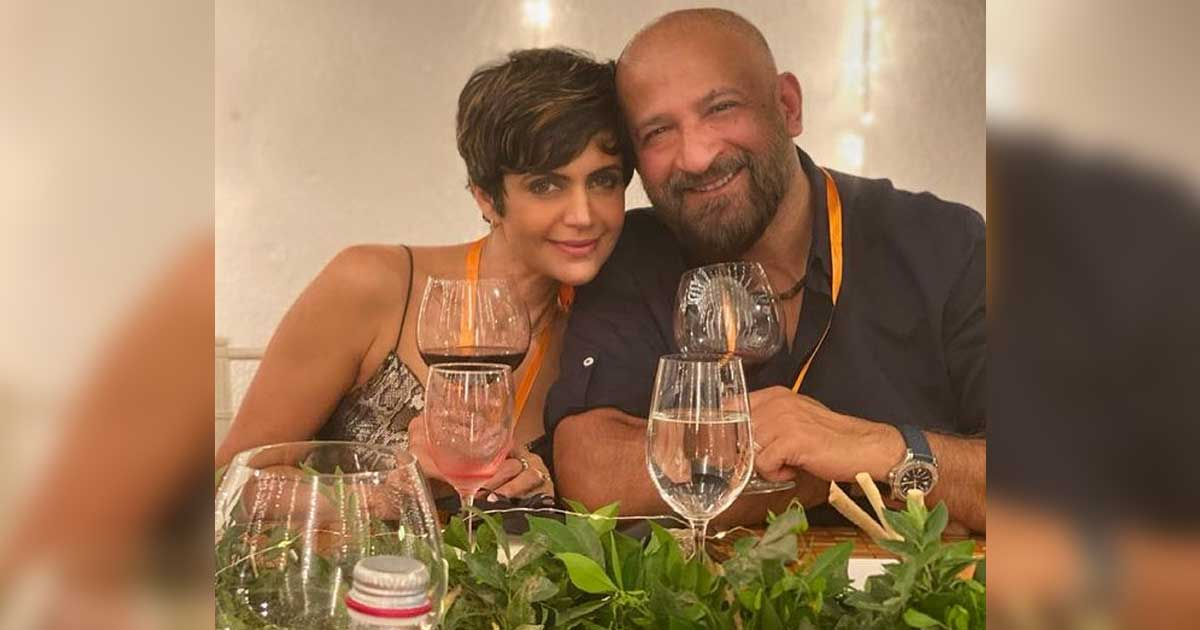 Mandira Bedi Share Pics With Late Husband Raj Kaushal With Heartbreaking Emojis - Check Out