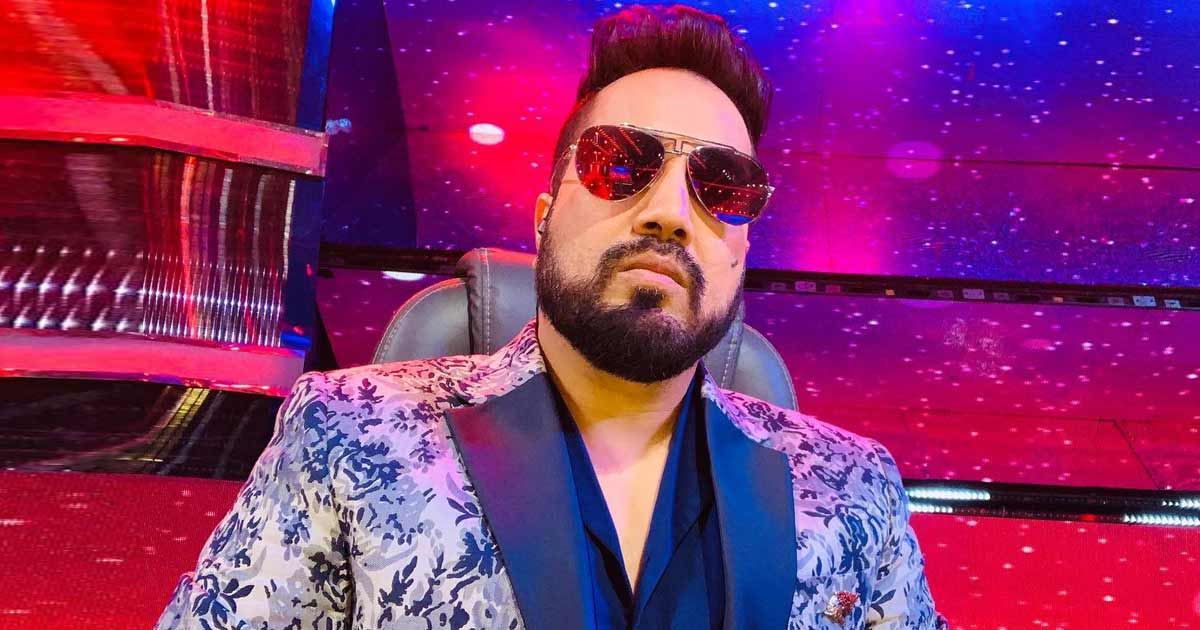 Mika Singh's Car Breaks Down At 3 AM Amid Mumbai Rains & 200 People Come To His Rescue; Fan Says,