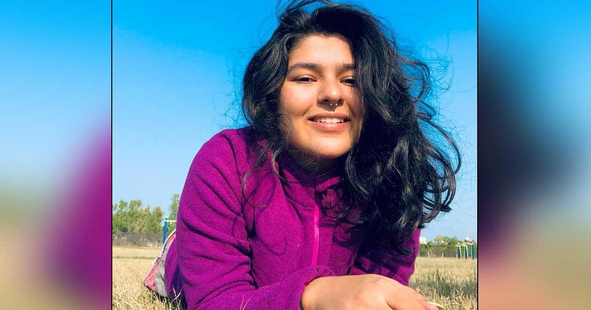 Nidhi Bhanushali Of Taarak Mehta Ka Ooltah Chashmah Fame Looks Mesmerizing In Underwater Video