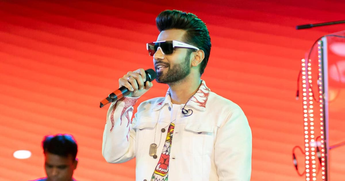 Rahul Vaidya Sings Rocks A Live Stage Perform After 15 Months, Shares An Emotional Note, Read On