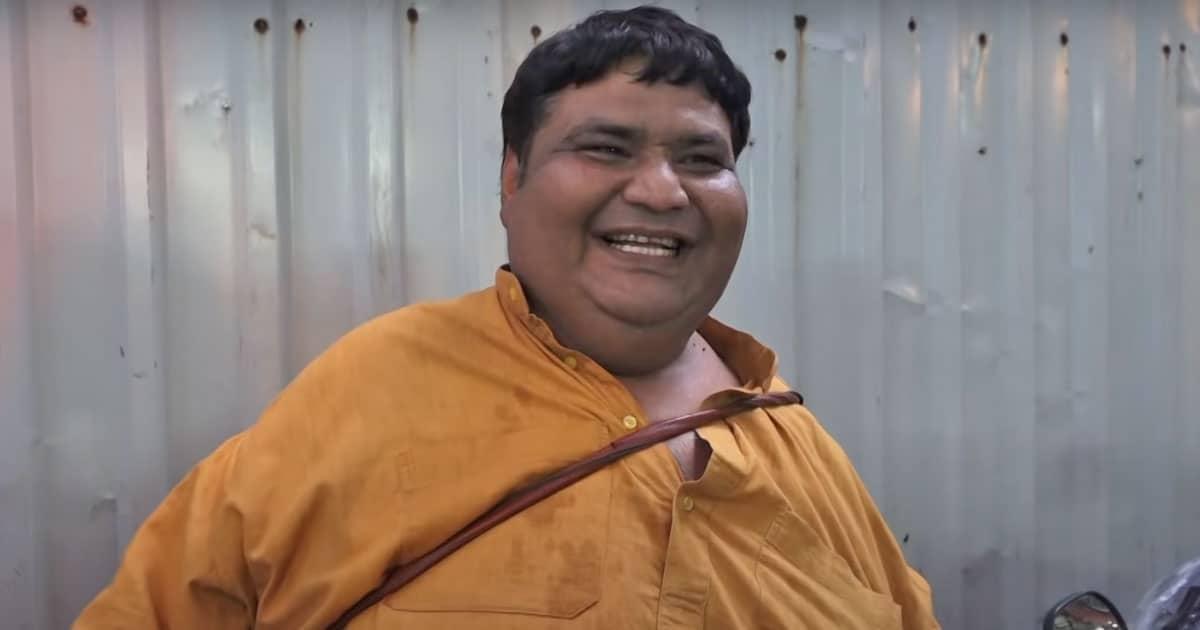 """""""Zindagi Ka Har Pal Khote Jaa Rahe Hai"""""""
