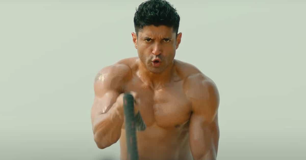toofaan movie review farhan akhtar is a partial storm but rakeysh omprakash mehra makes the hard work look too easy004